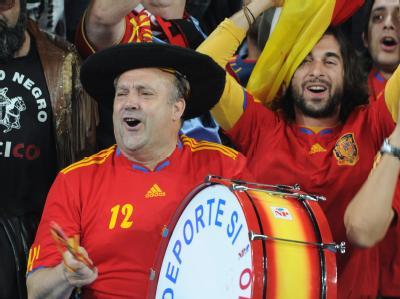 Im Freudentaumel: Spanische freuen sich über den Einzug ihrer Mannschaft ins WM-Finale.
