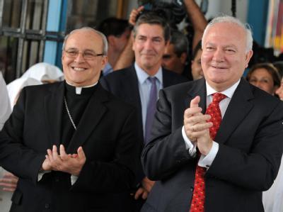 Havannas Erzbischof Jaime Ortega und der spanische Außenminister Miguel Angel Moratinos.