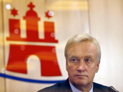 Vor dem Volksentscheid über die Schulreform in Hamburg wird über die Amtsmüdigkeit von Bürgermeister Ole von Beust spekuliert.