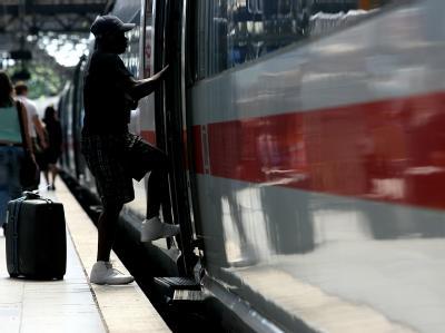 Die Klimaanlagen in Fernzügen der Deutschen Bahn funktionieren offenbar nur bis zu einer Außentemperatur von 32 Grad.