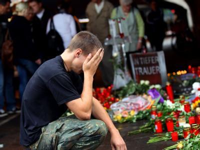 Trauernde nach der Loveparade-Katastrophe.