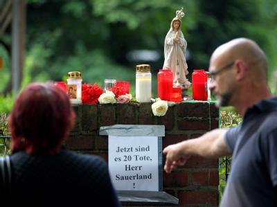 Trauer und Vorw�rfe in Duisburg