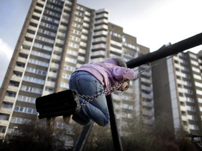Kindheit in einer Hochhaussiedlung bei Köln: Wer hier wohnt, hat keine andere Wahl. (Symbolfoto)