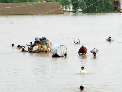 Die pakistanische Regierung geht davon aus, dass insgesamt 1,5 Millionen Menschen von den schlimmsten Überschwemmungen seit mehr als 80 Jahren betroffen sind.