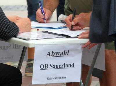 Unterschriften gegen Sauerland