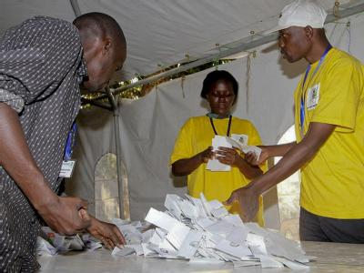 In Kenia zeichnet sich eine deutliche Mehrheit für die neue Verfassung ab.