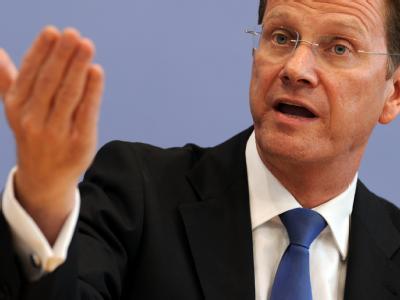 Guido Westerwelle unterstützt die Überlegungen von Bundesarbeitsministerin von der Leyen, ein Gutschein-Programm für Hartz-IV-Empfänger einzuführen. (Archivbild)