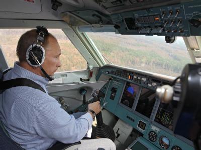 Putin im Löschflugzeug