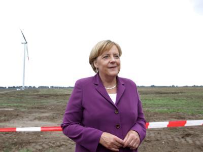 Merkel besucht B�rgerwindpark