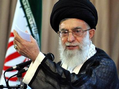 Der oberste Führer des Irans, Ajatollah Ali Chamenei meint, Gespräche mit den USA könnten nur stattfinden, wenn Amerika von seiner «morschen imperialistischen Leiter» heruntersteige.