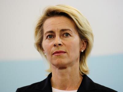 Bundesarbeitsministerin von der Leyen: Bei der Hartz-IV-Reform geht es um die Erhöhung des Regelsatzes um 5 auf 364 Euro und um das Bildungspaket für  bedürftige Kinder.