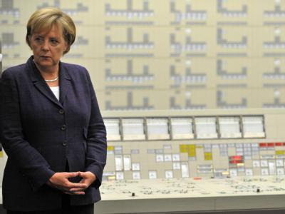 Kanzlerin Merkel am vergangenen Donnerstag im AKW Lingen.