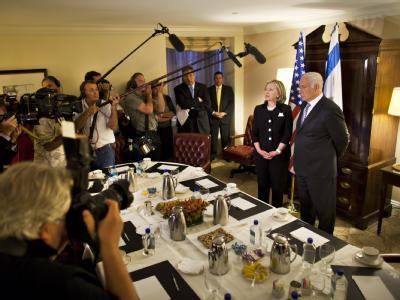 Hillary Clinton trifft Netanjahu