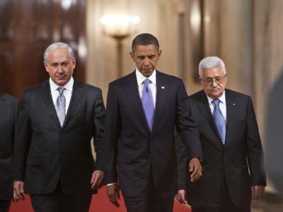 Wollen in der Nahost-Frage vorankommen: US-Präsident  Barack Obama, flankiert von Israels Ministerpräsident Netanjahu (l) und Palästinenserpräsident Abbas.