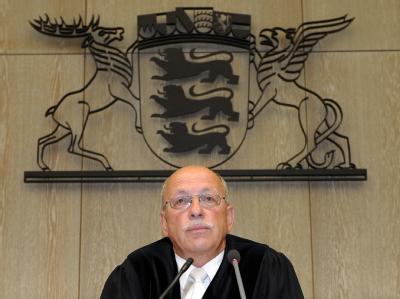 Der Vorsitzende Richter Michael Seidling zu Prozessbeginn in einem Saal des Landgerichts in Mannheim.