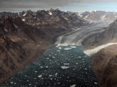Luftaufnahme des Kangerdlugssuaq-Fjord in Ost-Grönland. Foto: Maarten van Rouveroy / Greenpeace