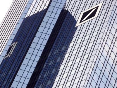 Die größte deutsche Privatkundenbank: Deutschen Bank-Zentrale in Frankfurt am Main.