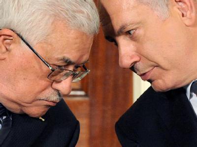 Unterhändler konnten sich nicht auf einen Krisengipfel zwischen Mahmud Abbas (l) und Benjamin Netanjahu einigen (Archivbild).