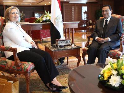 Der ägyptische Präsident Husni Mubarak und US-Außenministerin Hillary Clinton wollen verhindern, dass die Nahost-Gespräche wegen des Streits um die jüdischen Siedlungen scheitern.