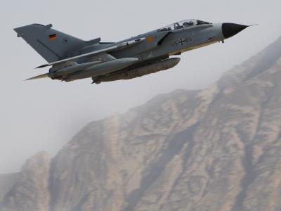 Ein Tornado der Bundeswehr kehrt von einem Aufklärungsflug zurück.