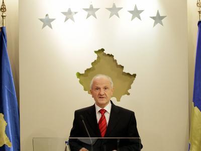 Fatmir Sejdiu gilt als rational und gemäßigt national und gehörte 2001 zu den Autoren der ersten Kosovo-Verfassung.