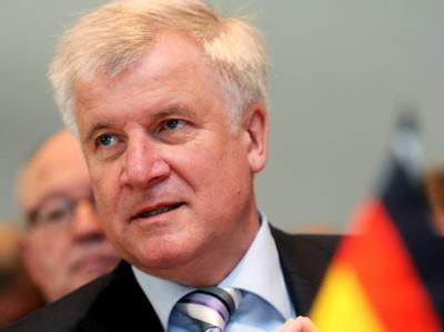 Der bayerische Ministerpräsident Horst Seehofer (Archivbild)