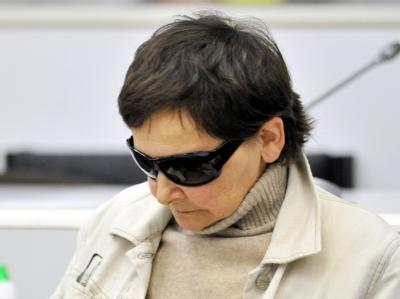 Die ehemalige RAF-Terroristin Verena Becker im Gerichtssaal des Oberlandesgerichts Stuttgart.