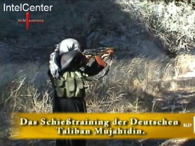 Vom US-amerikanischen Intel-Center am 26.09.2009 veröffentlichte Screenshots zeigen Ausschnitte aus Propaganda-Videos - hier ein deutscher Kämpfer beim Schießtraining.