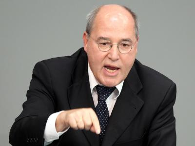 Der Fraktionschef der Linken, Gregor Gysi, fordert einen Afghanistan-Abzug.