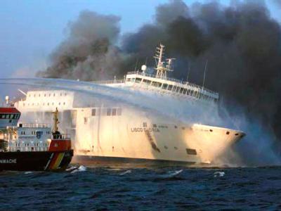 Fährunglück - Brennende Ostsee-Fähre «Lisco Gloria» vor Langeland