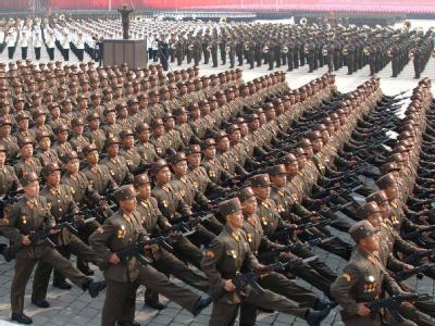 Und marsch: Nordkorea ist ein sehr armes Land, das aber militärisch hoch gerüstet ist.