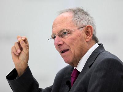 Der Bundesrechnungshof verlangt von Bundesfinanzminister Schäuble ehrgeizigere Pläne beim Schuldenabbau.