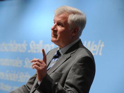 Der bayerische Ministerpräsident Horst Seehofer ist gegen zusätzliche Einwanderung aus anderen Kulturkreisen.