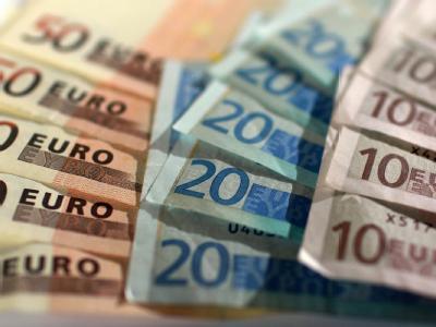 Mehrere CDU-Ministerpräsidenten haben ihre Kritik an den Steuerentlastungs-Plänen der schwarz-gelben Koalition erneuert.