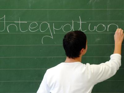 Bundesbildungsministerin Schavan (CDU) hat dazu aufgerufen, öfter als bisher über Erfolge bei der Integration zu sprechen.