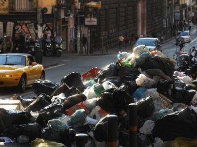 Der Müll in Neapel wird zu einem Gesundheits-Problem für die Einwohner.