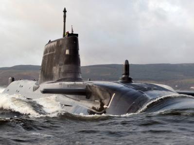 Britisches Atom-U-Boot auf Grund