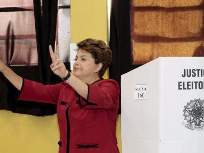 Kandidatin Dilma Rousseff gab ihre Stimme im Heimatort Porto Alegre ab.