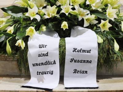 An der bewegenden Trauerfeier für Loki Schmidt im Hamburger Michel nahmen am Montag mehr als 2000 Gäste teil.