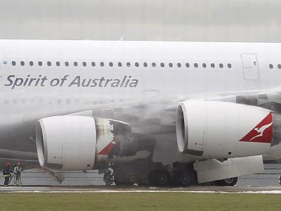 Der notgelandete Airbus A380 mit Triebwerksschaden in Singapur.