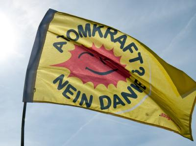 Seit Wochen formiert sich in Deutschland der Widerstand gegen den Castor-Transport. In Frankreich ist es dagegen auffällig ruhig. Nur wenige Atomkraftgegner gehen dort auf die Straße.