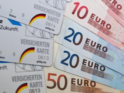 Nach monatelangem Streit in der Koalition hat der Bundestag die Reform der Krankenkassenfinanzierung beschlossen.