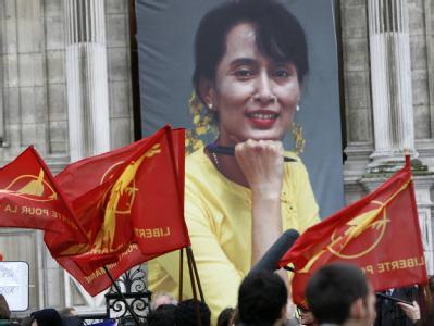 Große Freude über die Freilassung auch in Paris. Sechs Friedensnobelpreisträgerinnen haben zudem angekündigt, dass sie Aung San Suu Kyi so schnell wie möglich besuchen wollen.