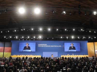 Etwa 1000 Delegierte beraten während des Bundesparteitages der CDU über den Kurs der Partei.