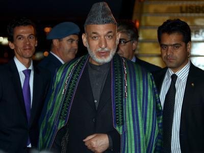 Afghanistans Präsident Hamid Karsai bei seiner Ankunft beim Nato-Gipfel in Lissabon.