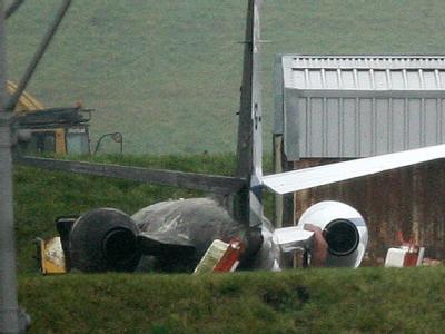 Tragisches Ende für den Transport eines Spenderorgans: Das Wrack des abgestürzten Flugzeugs auf dem Birmingham International Airport.
