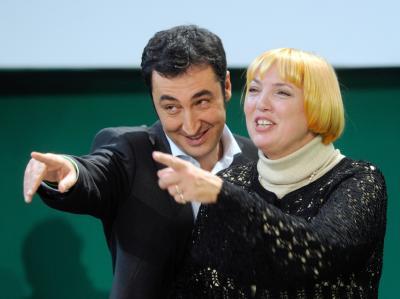Die Bundesvorsitzenden von Bündnis 90/Die Grünen, Cem Özdemir und Claudia Roth, wollen Deutschland sozialer machen.