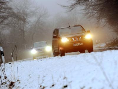 Der frühe Wintereinbruch hat Autofahrern zu schaffen gemacht.
