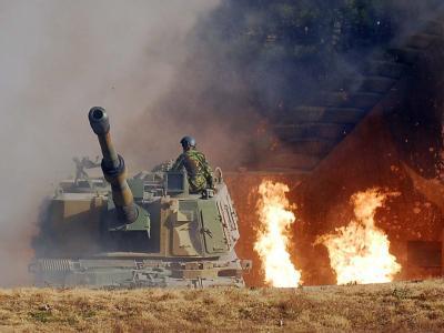 Südkoreanisches Geschütz auf Yonpyong. Seoul hat angekündigt, die Streitkräfte auf seinen fünf Inseln nahe der umstrittenen Seegrenze im Gelben Meer zu verstärken. (Foto: Südkor. Verteidigungsministerium)