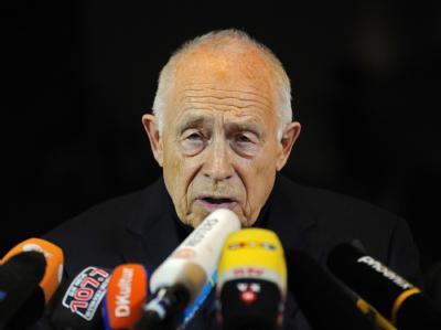 Heiner Geißler nach der Verkündung seines Schlichterspruchs.